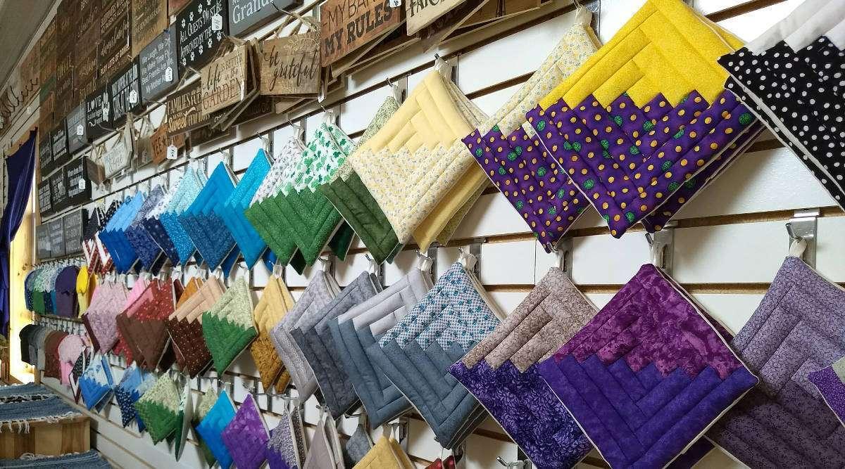 amish-knitting