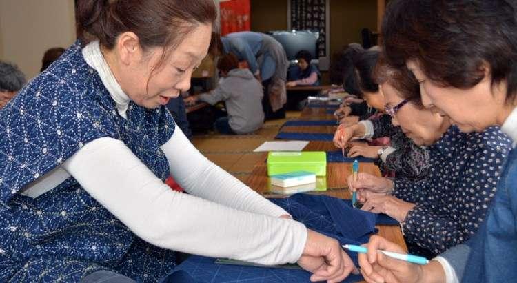 Keiko teaching sashiko